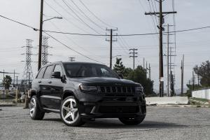 2018 Jeep Grand Cherokee Trackhawk on Forgiato Wheels (FOH 5)