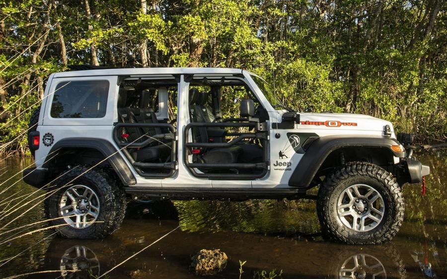 Jeep Wrangler Unlimited Three O Five (JL) (NA) '2019
