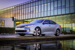 Kia Optima Plug-In Hybrid 2016 года (US)