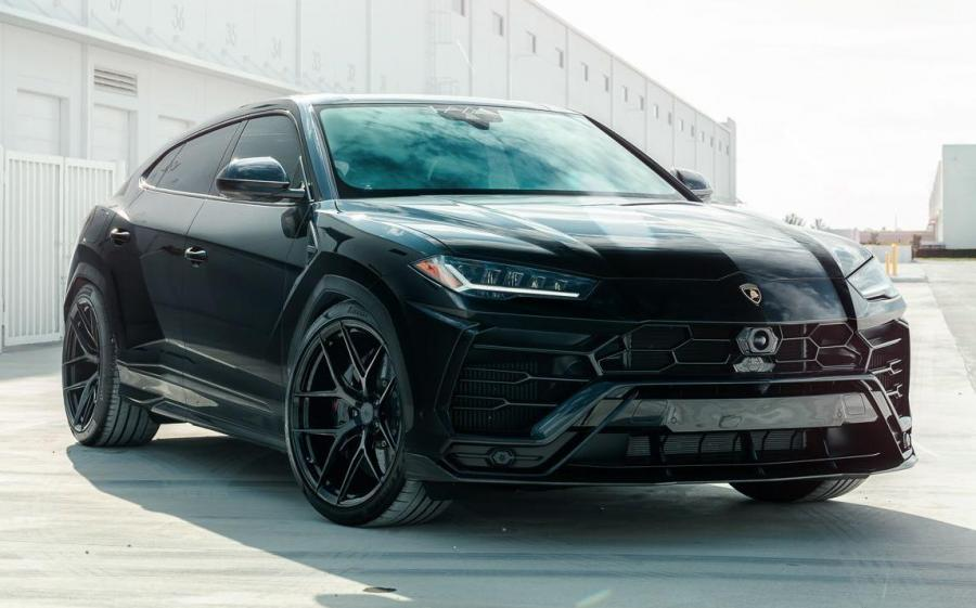 2019 Lamborghini Urus on Vossen Wheels (S21-01)