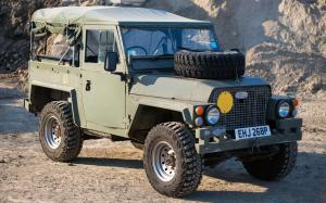 Land Rover Series III 88 Lightweight 200Tdi-Powered