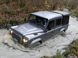 Land Rover Defender 110 Double Cab Pickup 2007 года (UK)
