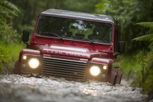 Land Rover Defender 110 2013 года