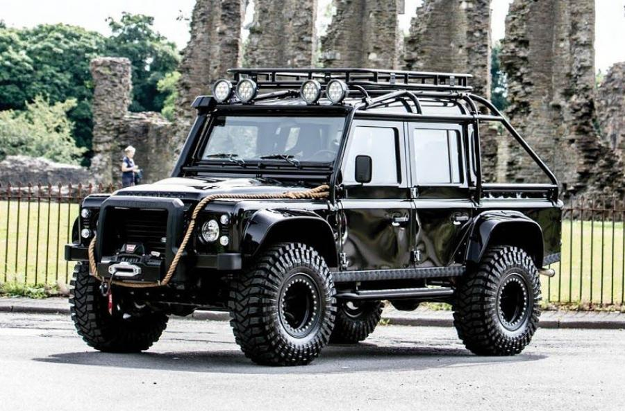 Land Rover Defender 110 James Bond Villain