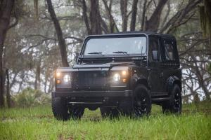 Land Rover Defender Honey Badger by East Coast Defender 2017 года