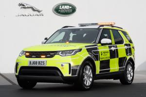 Land Rover Discovery Highways England 2019 года