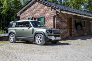 2020 Land Rover Defender 110 D240 S Urban Pack