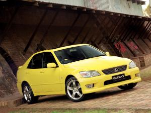 Lexus IS200 Yellow 2000 года