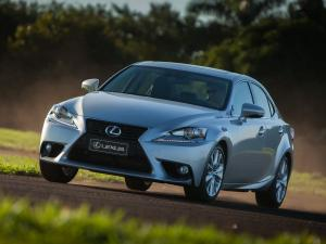 Lexus IS250 2013 года (EU)