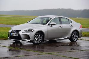Lexus IS300h 2016 года (UK)