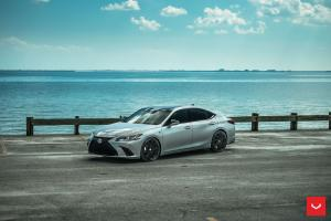Lexus ES350 F-Sport on Voseen Wheels (CV10) 2019 года