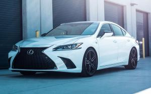 Lexus ES350 F-Sport on Voseen Wheels (HF-1) 2019 года