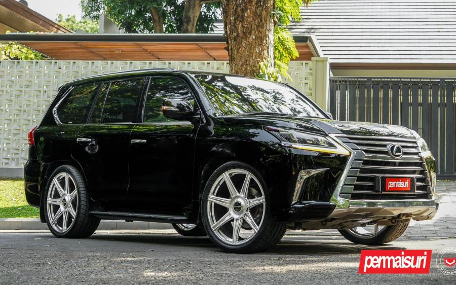 Lexus LX570 by Permaisuri on Vossen Wheels (S17-11) (Black Onyx) '2019