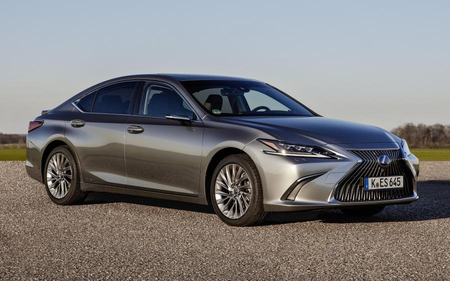 Lexus ES300h with Digital Side-View Monitor (EU) '2020