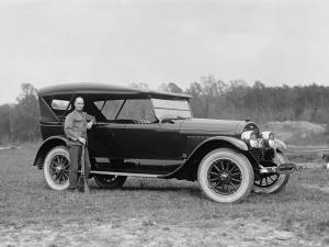1922 Lincoln Model L 7-Passenger Touring