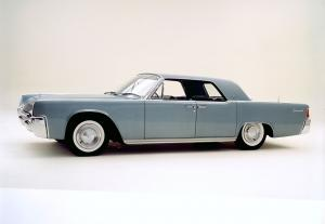 Lincoln Continental 1961 года