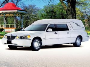 Lincoln Town Car Paramount Funeral Coach by Miller-Meteor