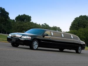 Lincoln Town Car Limousine 2003 года