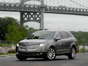 Lincoln MKT 2010 года