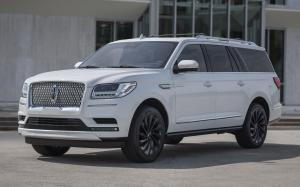 Lincoln Navigator L Monochromatic Package '2019