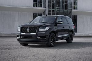 2019 Lincoln Navigator Monochromatic Package