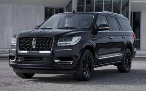 Lincoln Navigator Monochromatic Package '2019