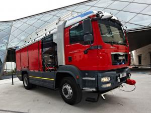 2008 MAN TGM 18.340 AT RLFA by Rosenbauer