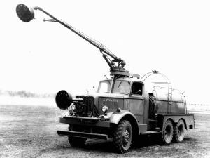 1941 Mack NM3 Class 150 6x6 7½-Ton Crash Truck Prototype by Cardox