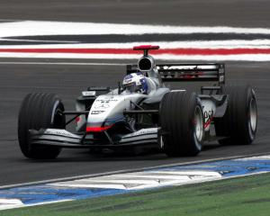 McLaren Mercedes-Benz MP4-17 2002 года