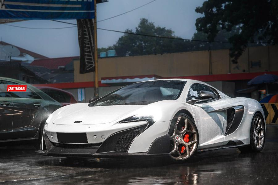 McLaren 675LT on Vossen Wheels (CG-205)