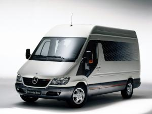 Mercedes-Benz Sprinter Safety Showcase Vehicle 2004 года