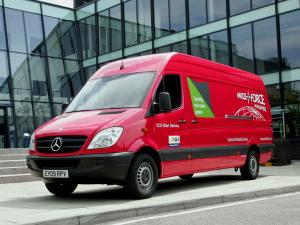 Mercedes-Benz Sprinter High Roof Van 2006 года (UK)