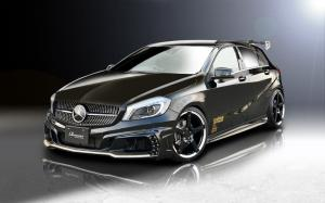 2014 Mercedes-Benz A-Class by Rowen Japan