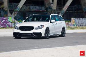 2016 Mercedes-AMG E63 Estate by RENNtech on Vossen Wheels (VFS5)