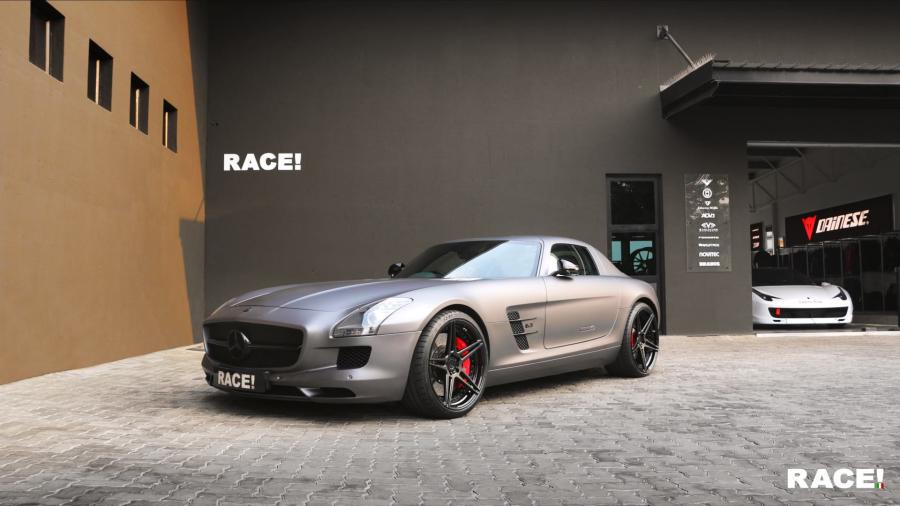 Mercedes-Benz SLS AMG by RACE! on ADV.1 Wheels