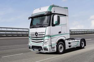 2017 Mercedes-Benz Actros 1853 LS Racing Edition
