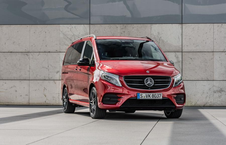 Mercedes-Benz V-Class Designo Hyacinth Red Metallic