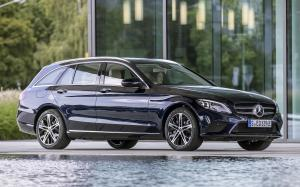 Mercedes-Benz C300 de Exclusive Line Estate 2018 года (WW)