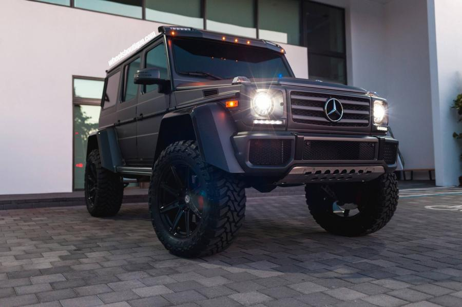 Mercedes-Benz G550 4x42 on HRE Wheels (TR188)