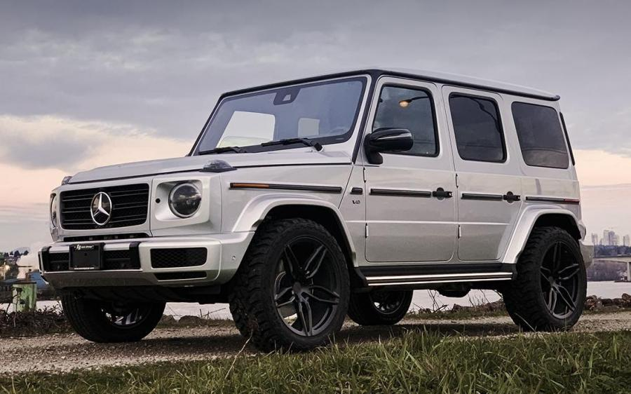 Mercedes-Benz G550 on PUR Wheels (FL23)