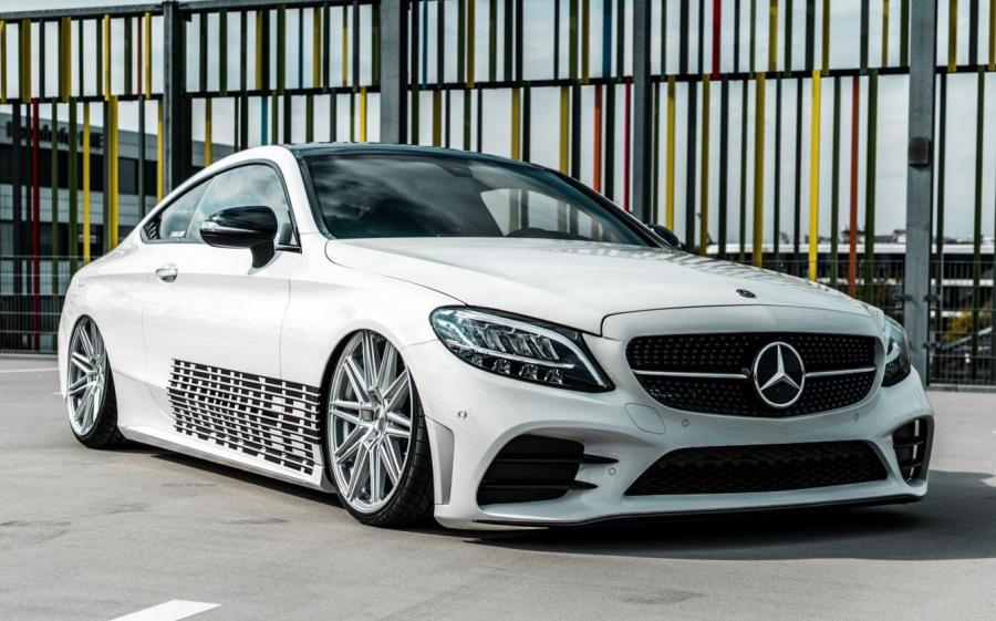 2019 Mercedes-AMG C63 Coupe on Vossen Wheels (CV10)