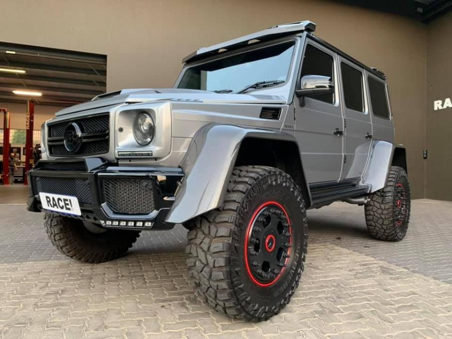 2019 Mercedes-AMG G63 4x42 by Brabus & RACE!