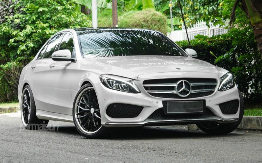 2019 Mercedes-Benz C300 by Permaisuri on Vossen Wheels (VWS-2)