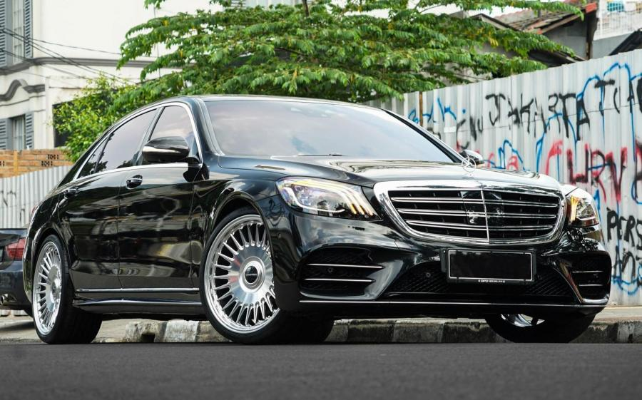 2019 Mercedes-Benz S450 AMG Line on Vossen Wheels (ML-R1)