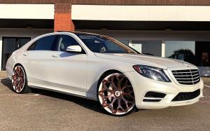 Mercedes-Benz S550 on Forgiato Wheels (Tessi-ECL) 2019 года