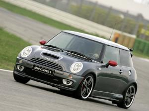 2005 Mini Cooper S with JCW GP Tuning Kit