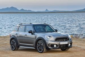 Mini Cooper S Countryman ALL4 2017 года (ZA)
