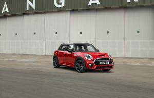 Mini Cooper S Works 210 5-Door 2017 года