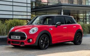 Mini Cooper 5-Door John Cooper Works Package 2019 года (UK)