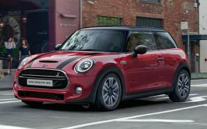 Mini Cooper S Moscow Red 2020 года (RU)